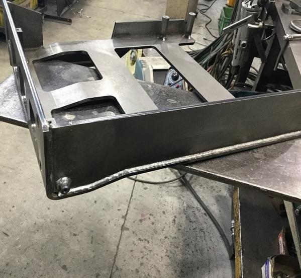 板金部品機械加工